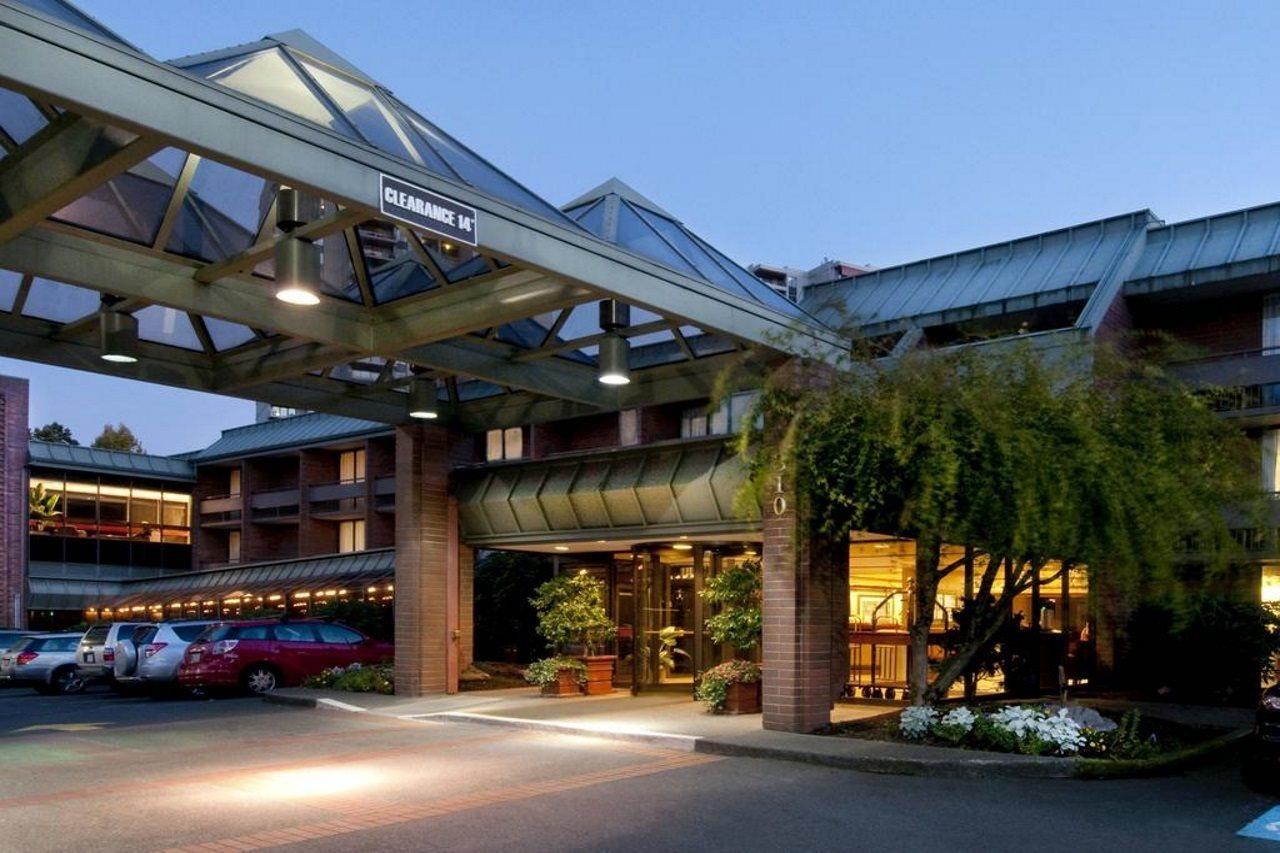 University Place Hotel & Conference Center