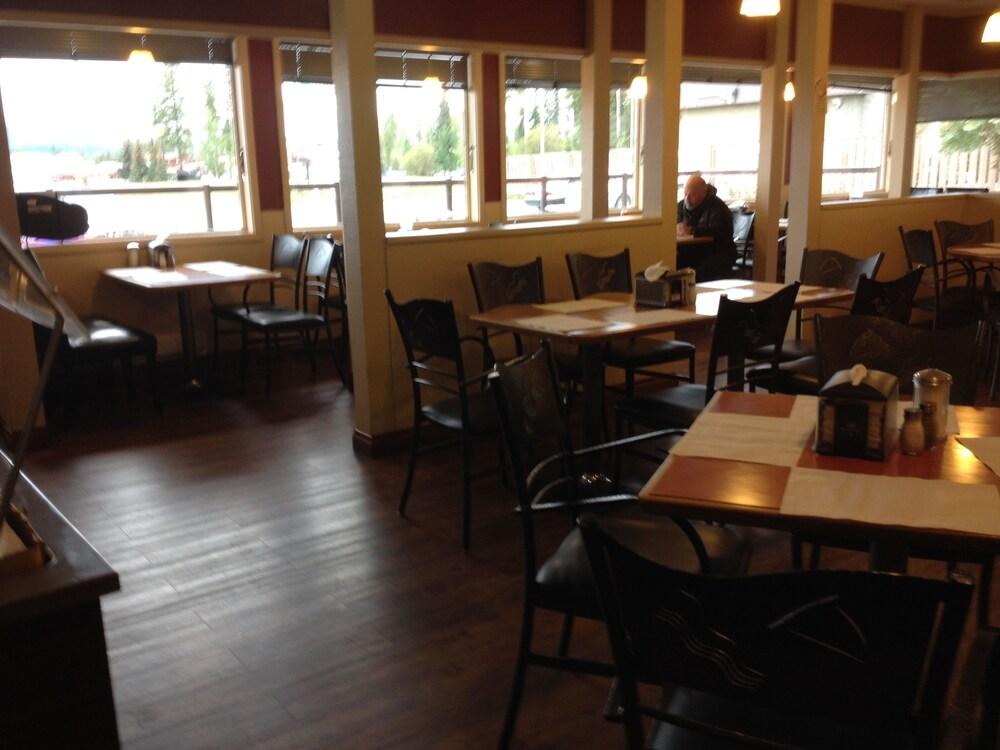 Gallery image of Tumbler Ridge Inn