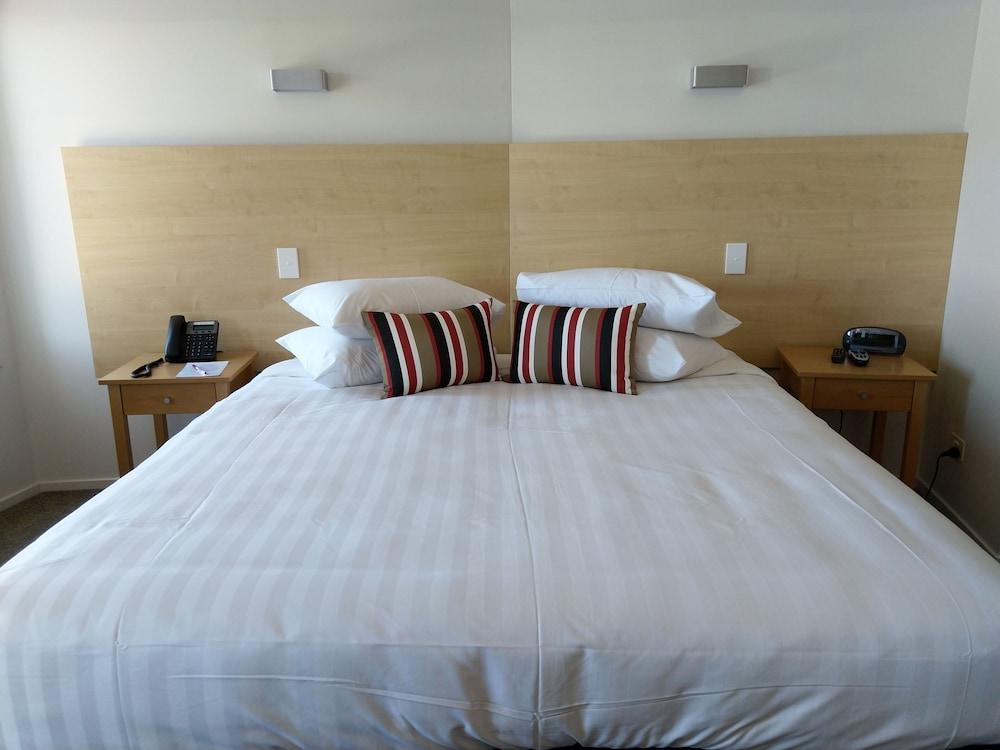 Gallery image of Ramada Suites Nautilus Orewa