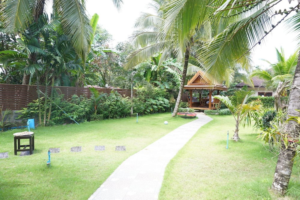 Gallery image of Happy Resort Phang Nga