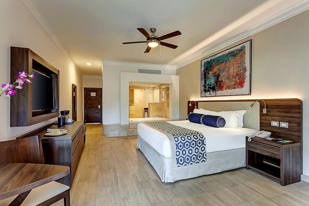 Gallery image of Royalton Splash Punta Cana Resort & Spa All Inclusive