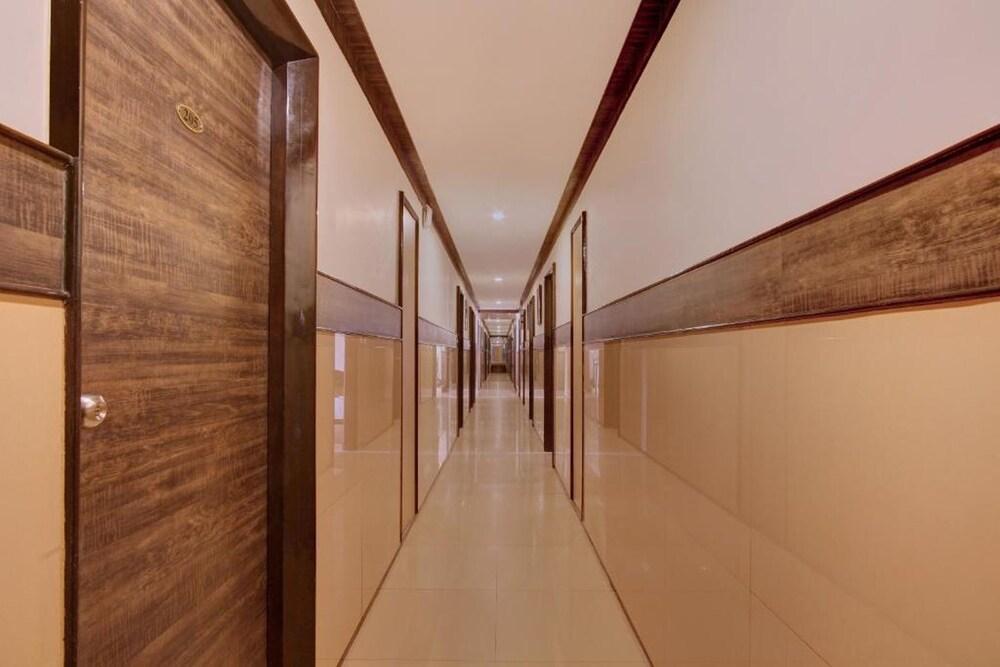 Gallery image of Shrusti Comfort
