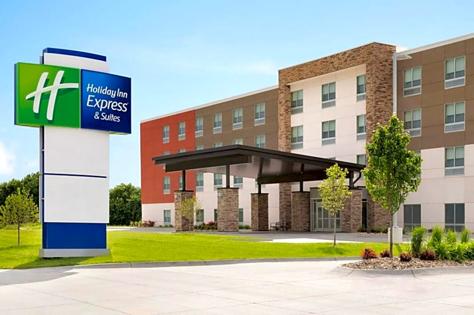 Holiday Inn Express And Suites Calgary Airport Trail Northeast