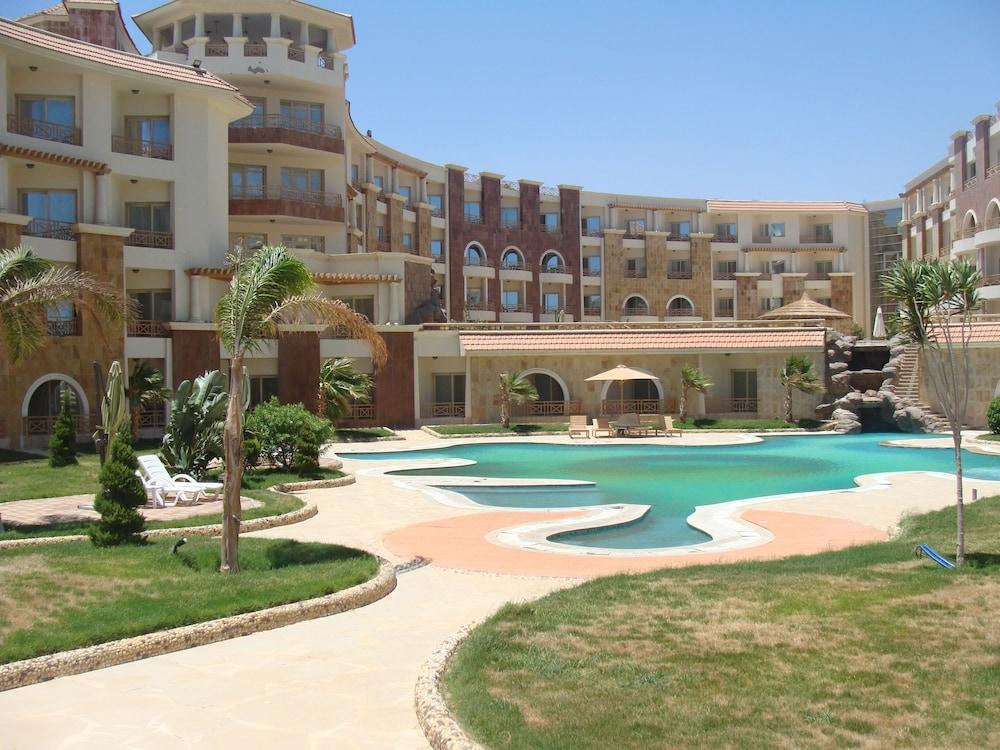 Royal Beach Resort