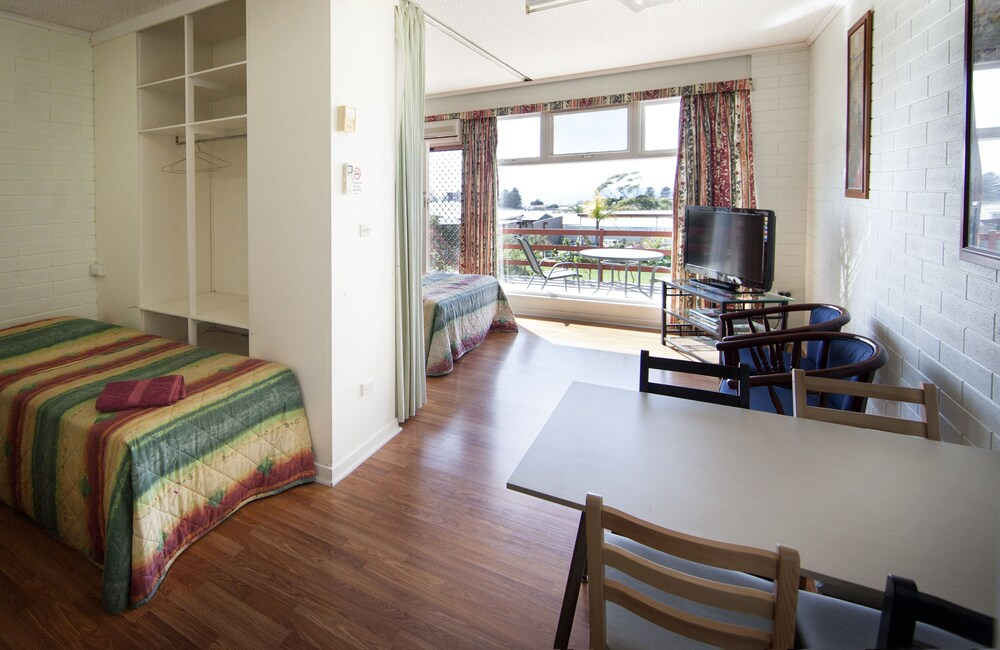 Gallery image of Oyster Court Apartments
