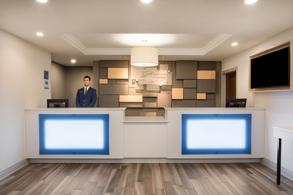 Gallery image of Holiday Inn Express Hotel & Suites Gananoque