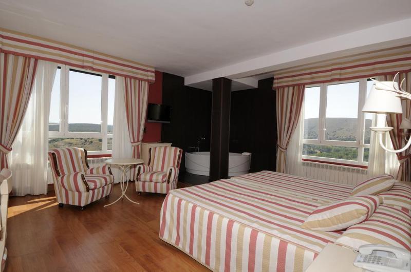 Hotel Leonor Miron