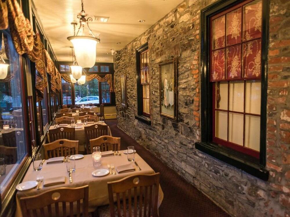 Gallery image of Logan Inn