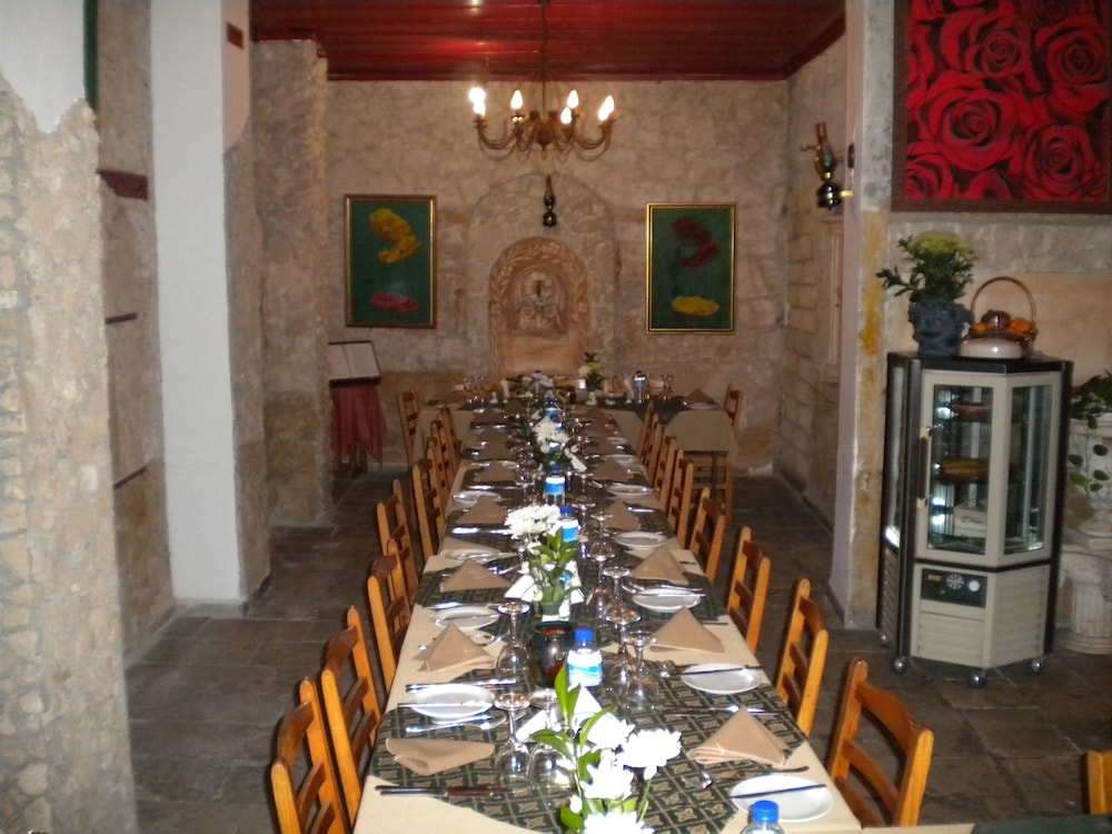Gallery image of Kiniras Traditional Hotel & Restaurant