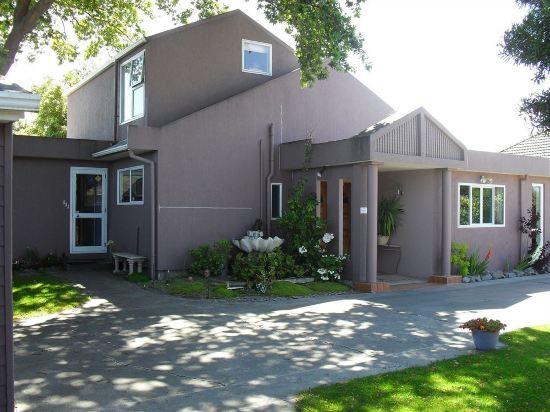 Purple der House Accommodation