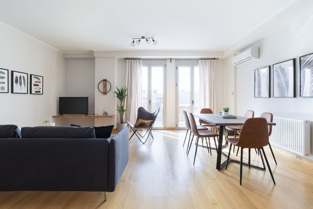 Stylish and Spacious 2BD Thiseio by UPSTREET