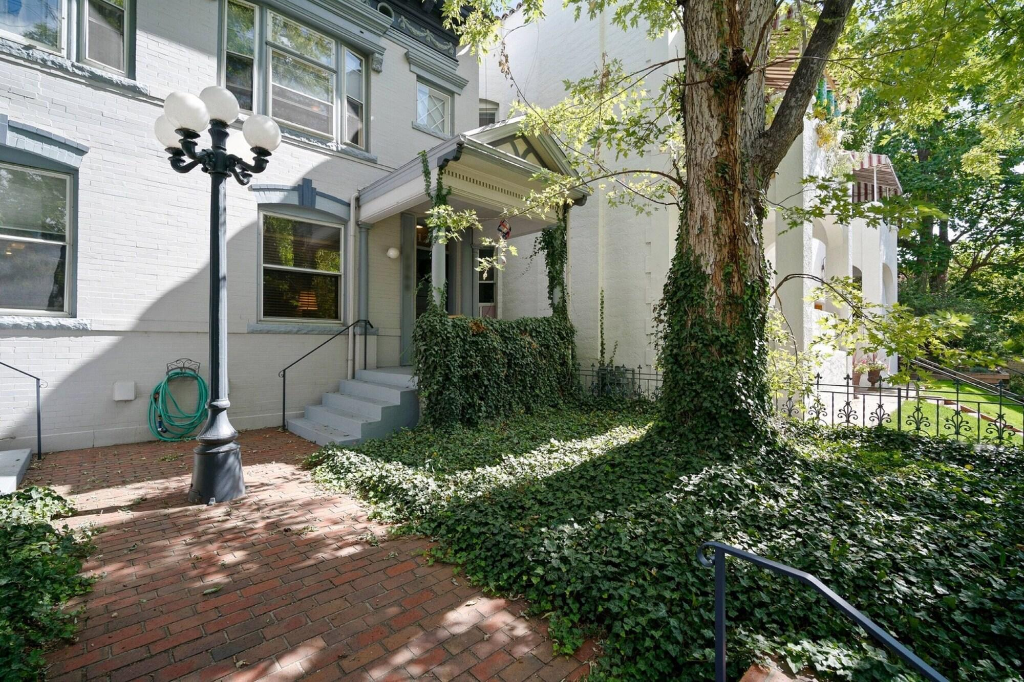 3BR House with Patio near Cap Hill