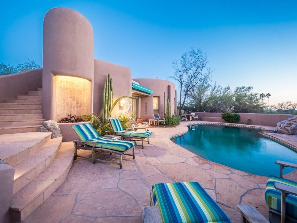 Carefree Oasis Four Bedroom Home