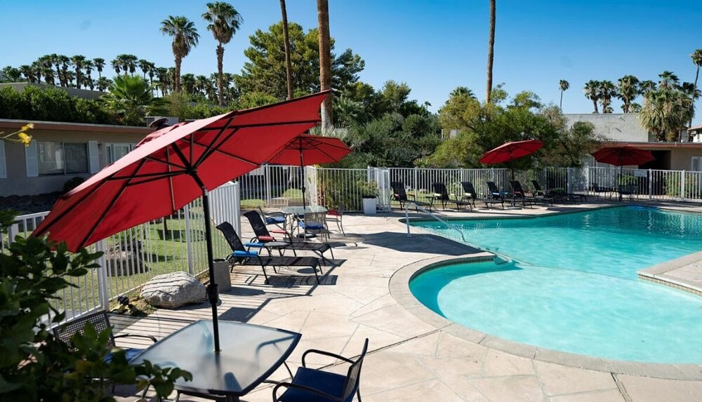 Gallery image of Tuscany Manor Suites