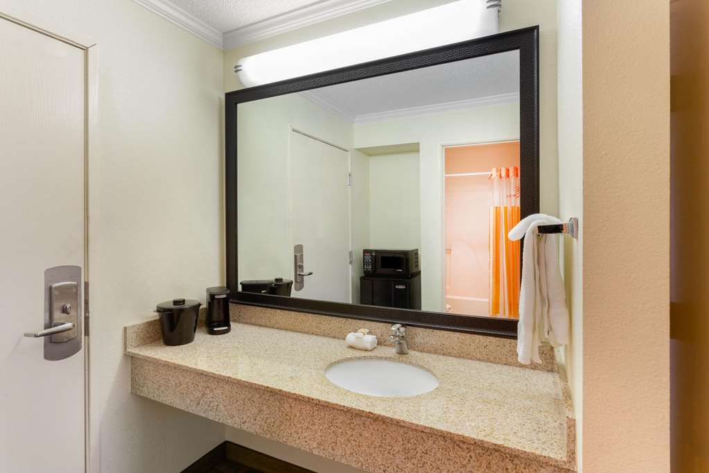 Gallery image of La Quinta Inn by Wyndham Chicago Willowbrook