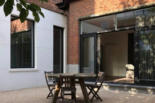 XLSR lightfull garden apartment in the city center of Ghent