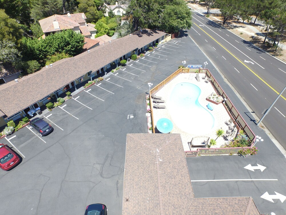 Gallery image of Monterey Surf Inn