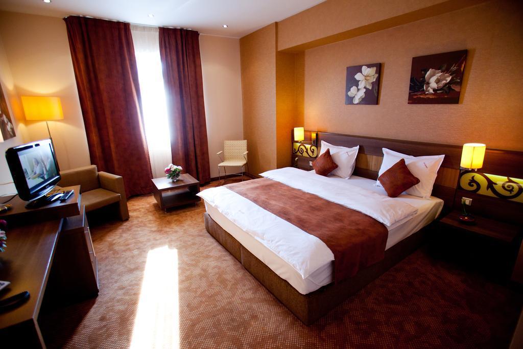 Top Rooms Aparthotel