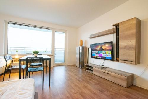 Tolstov Hotels Large 2 Room Apartment with Balcony