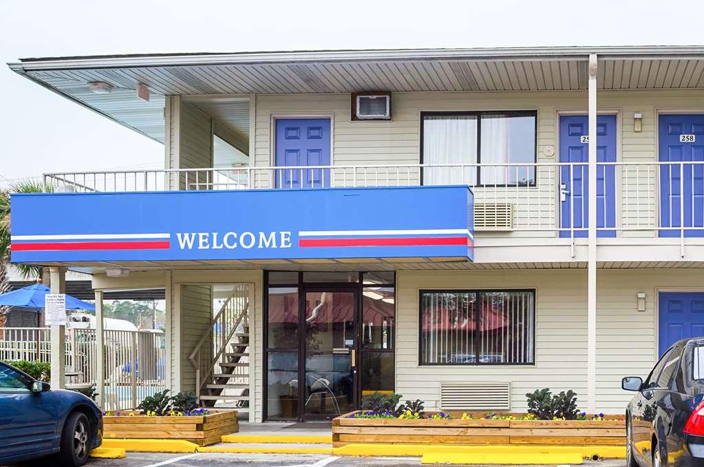 Gallery image of Motel 6 Charleston SC South