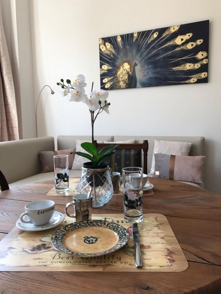 Exclusive Flats Sainte Catherine Art