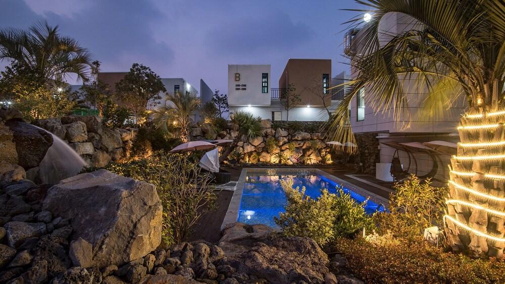 Jeju 29 Pool Villa