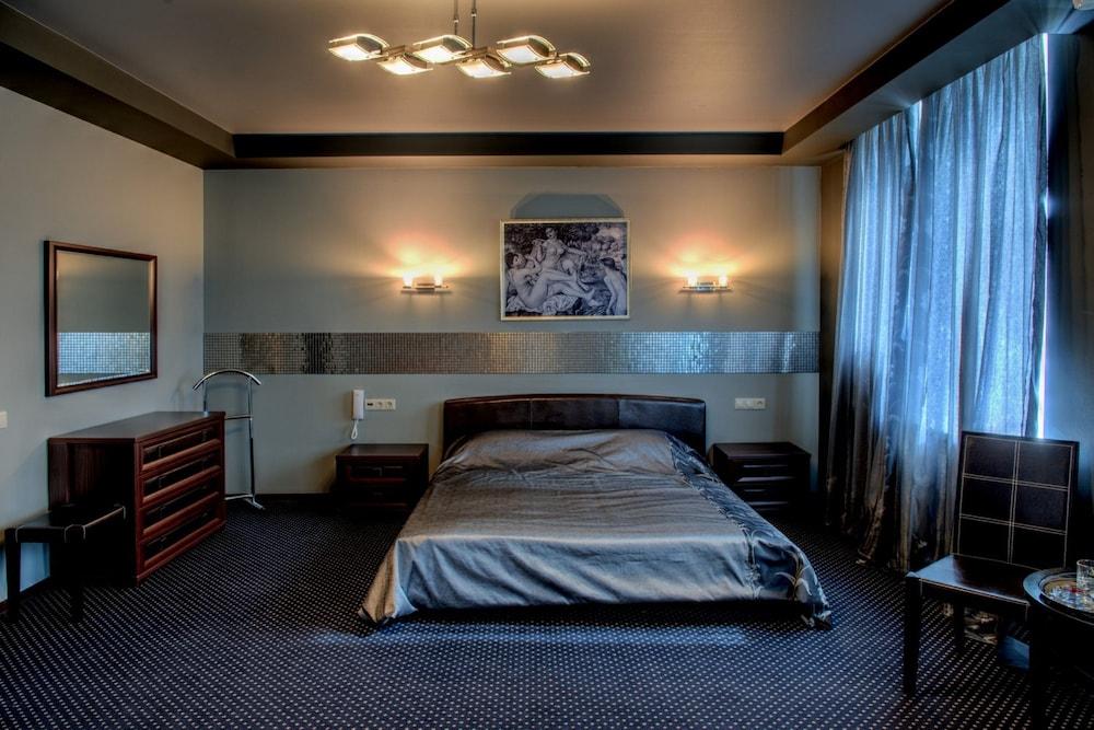 Alex Hotel On Dybenko