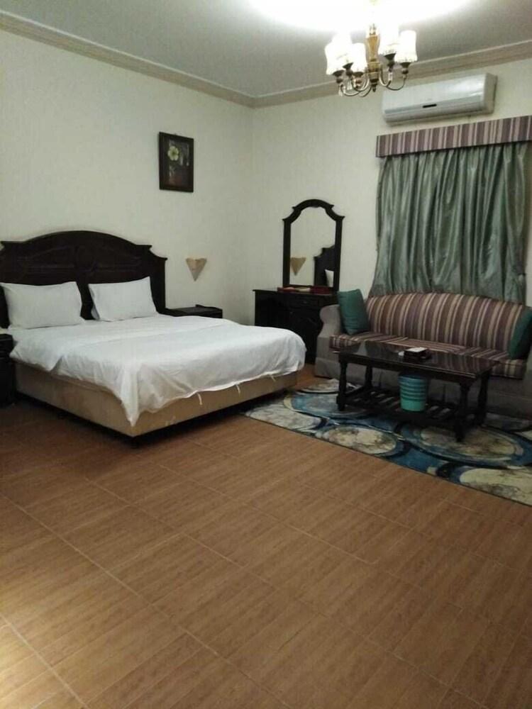 Amana Alfakhera furnished unit 2