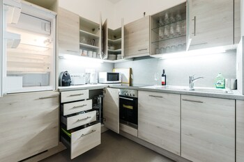 Judengasse Premium Apartments In Your Vienna By Welcome2vienna (جودنگاس پرمیوم آپارتمنتس این یور وین بای ولكوم۲وینا) In-Room Kitchen
