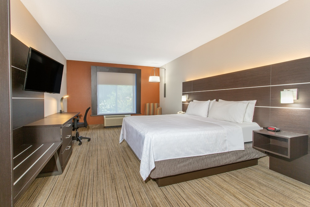 Gallery image of Holiday Inn Express Hotel & Suites Silver Springs Ocala