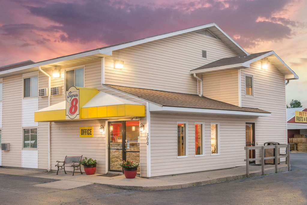 Gallery image of Super 8 by Wyndham Moberly MO