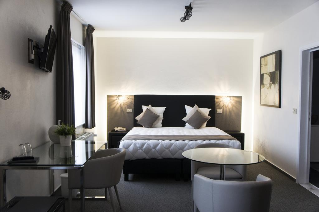 Hotel Adoma