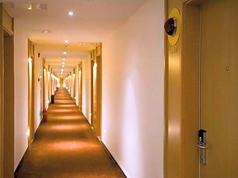 Starway Hotel