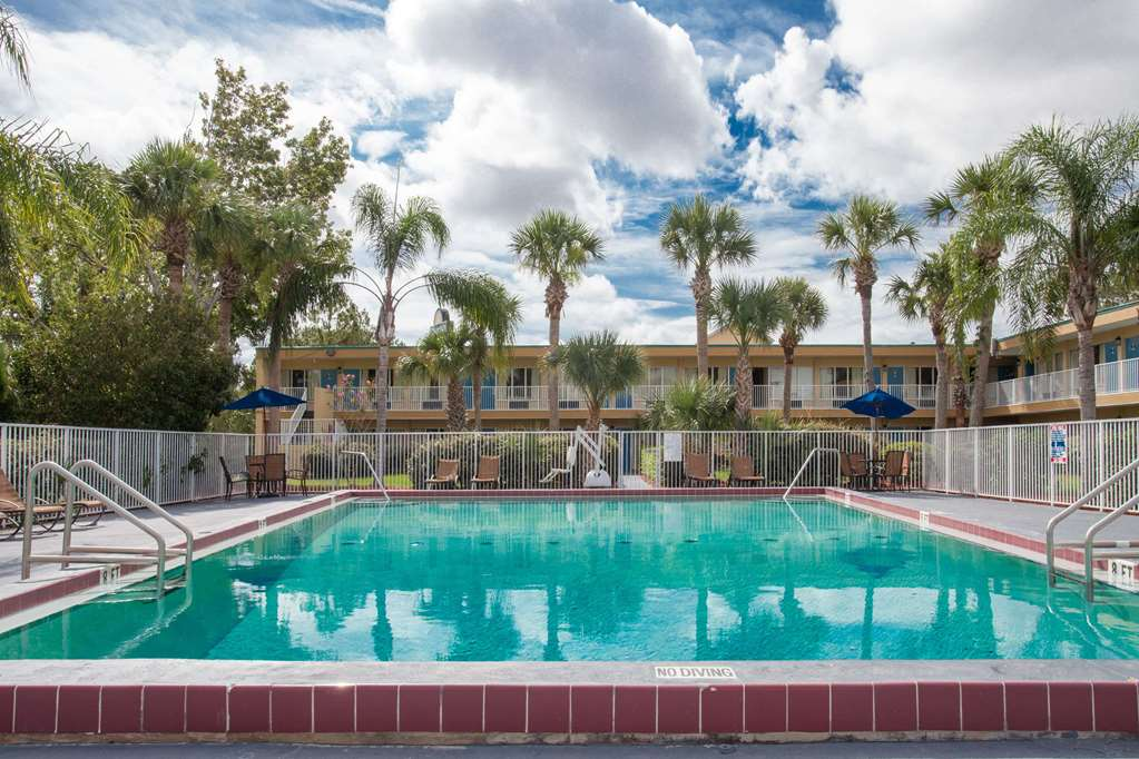 Gallery image of Days Inn by Wyndham Daytona Beach Speedway