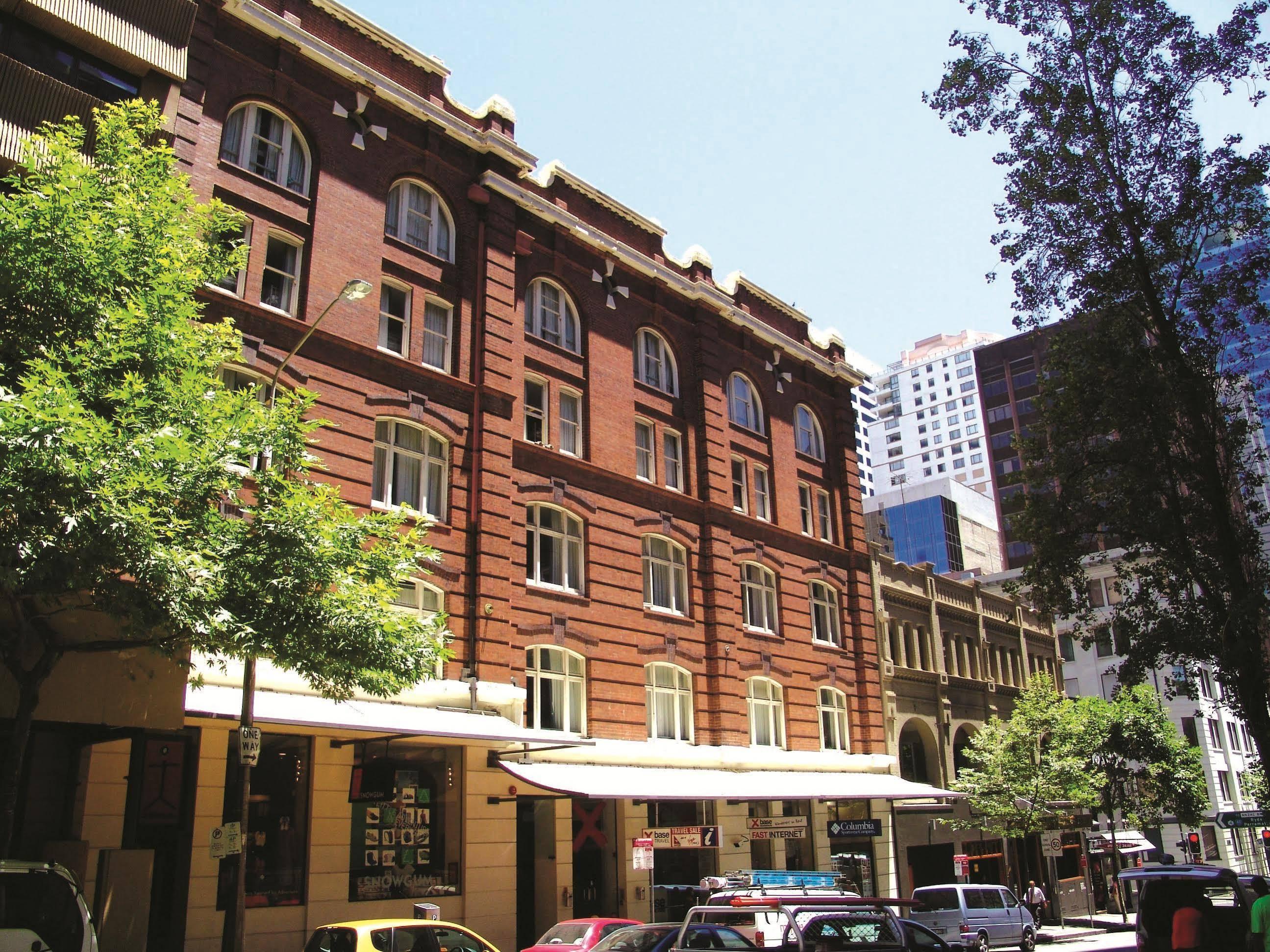 Base Sydney Hostel