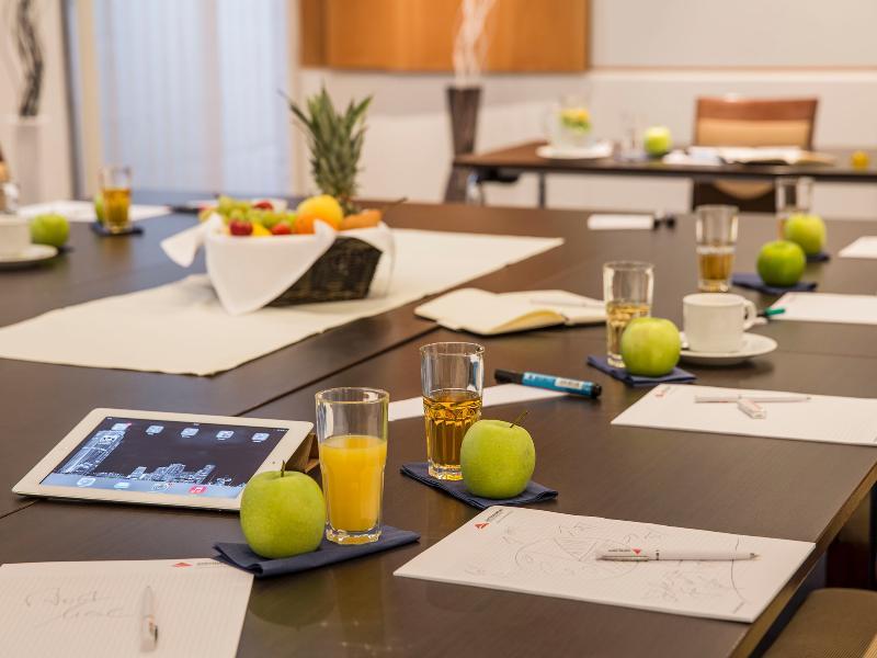 Austria Trend Hotel Rathauspark (آوستریا ترند هتل راتاوسپارك) Conferences