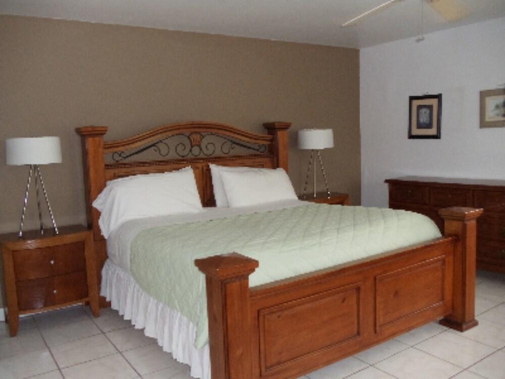 Gallery image of Granada Inn