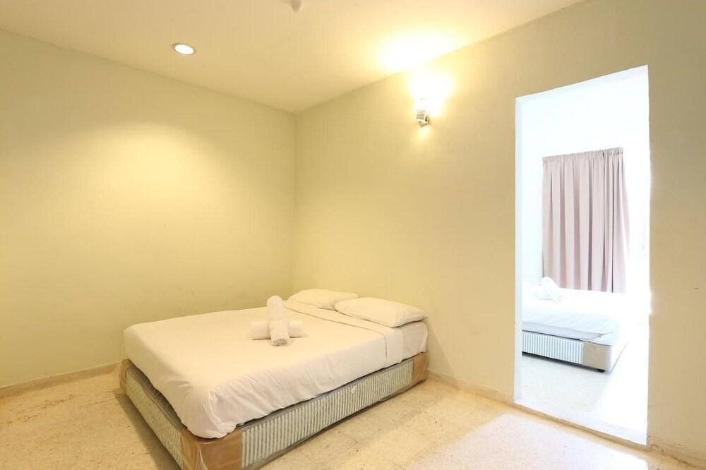 Gallery image of New Town Hotel Taman Intan Klang