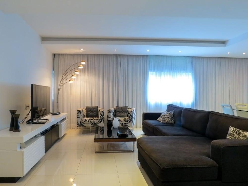 LinkHouse Beautiful Duplex Copacabana C1 005