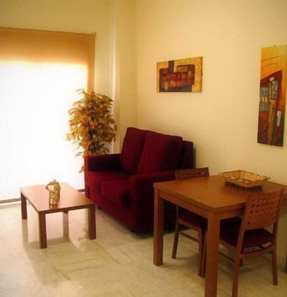 Gallery image of Apartamentos Turísticos Covadonga