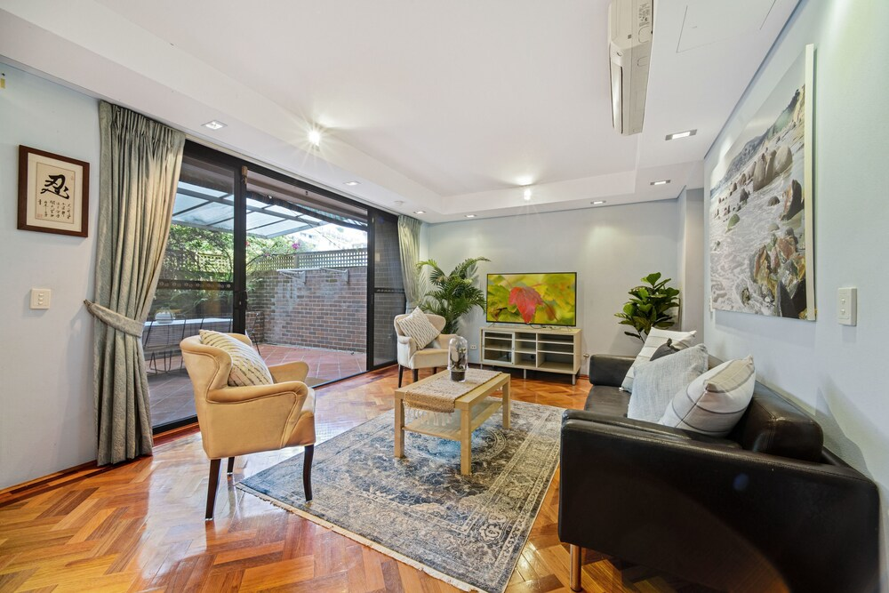 Terrace Living In The Heart Of Sydney
