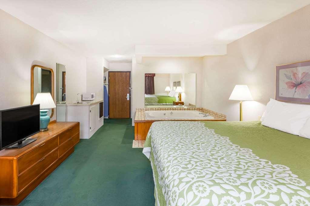 Gallery image of Days Inn by Wyndham Alpena