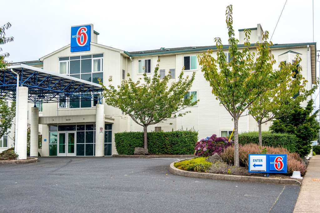 Motel 6 Lincoln City OR