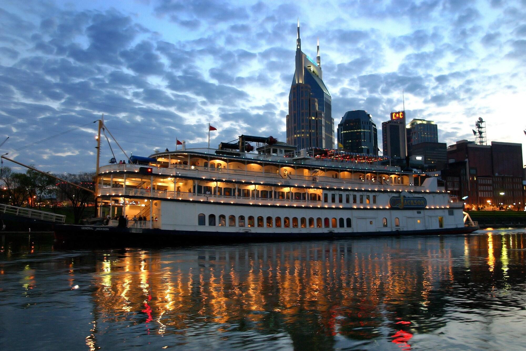 2724 Nashville 2 Br Home
