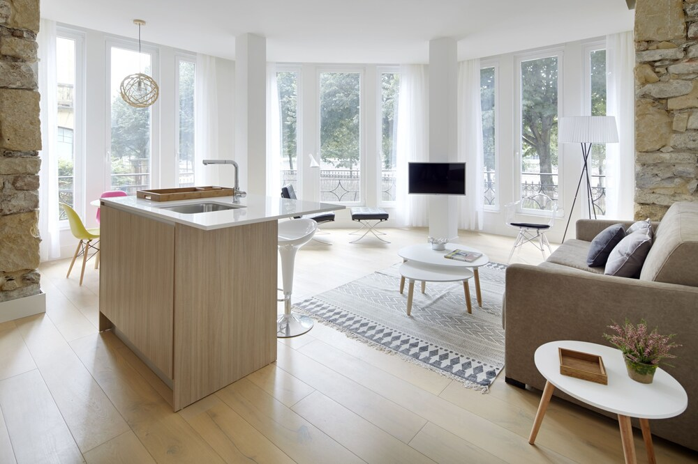 Beduria C Apartment by FeelFree Rentals