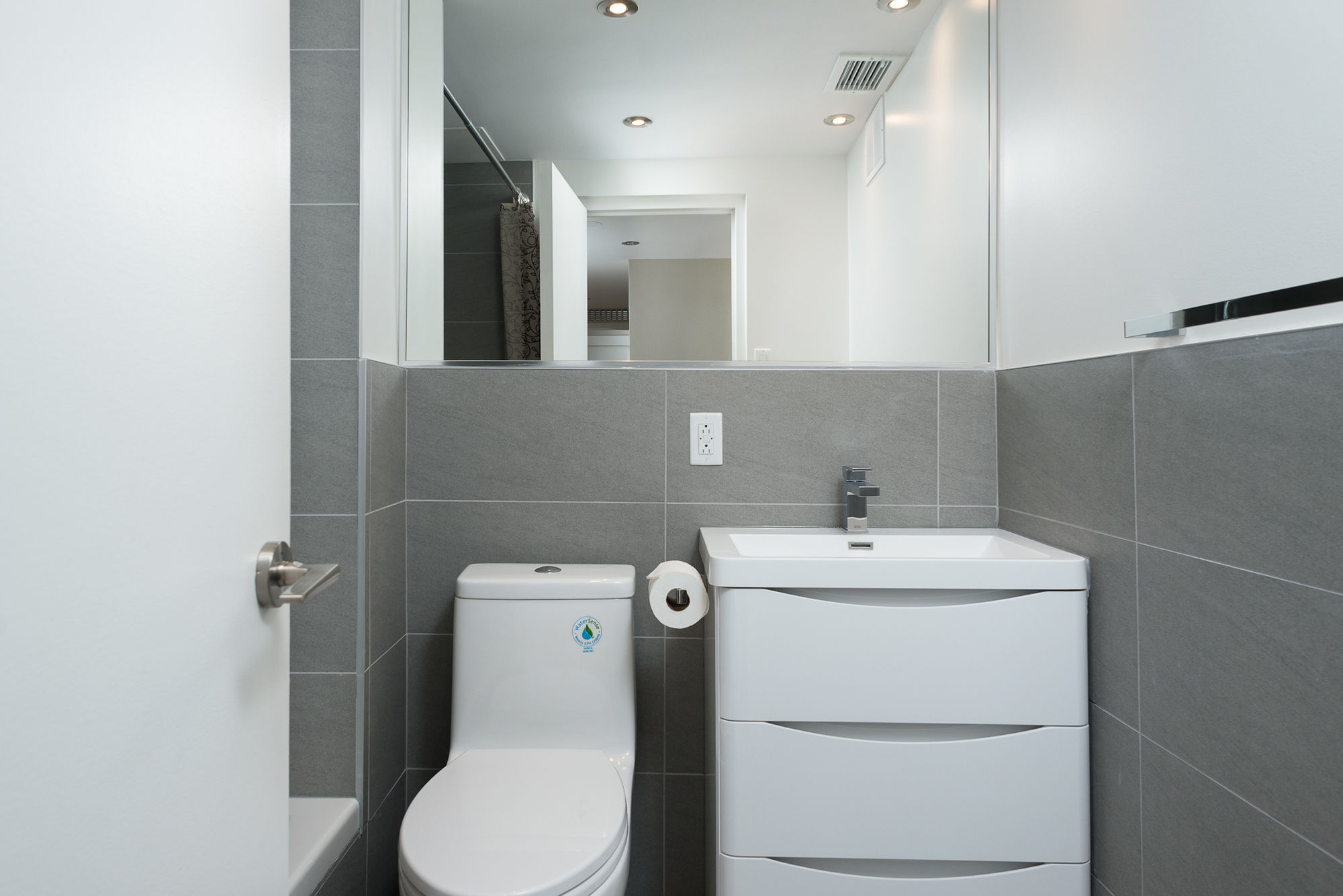 Vibrant 2BR in Downtown MTL by Sonder