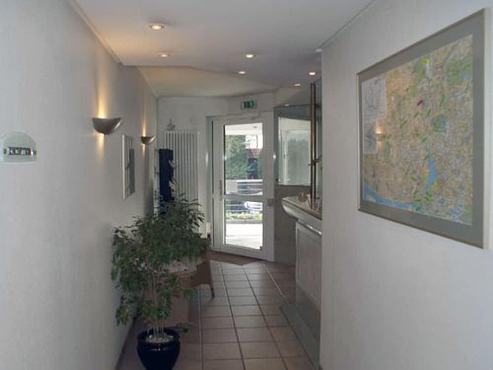 Gallery image of Entrée Hotel Groß Borstel