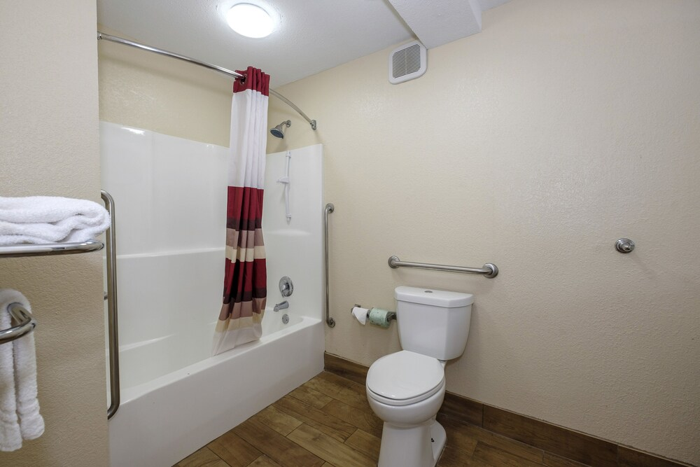 Gallery image of Red Roof Inn Columbus MS