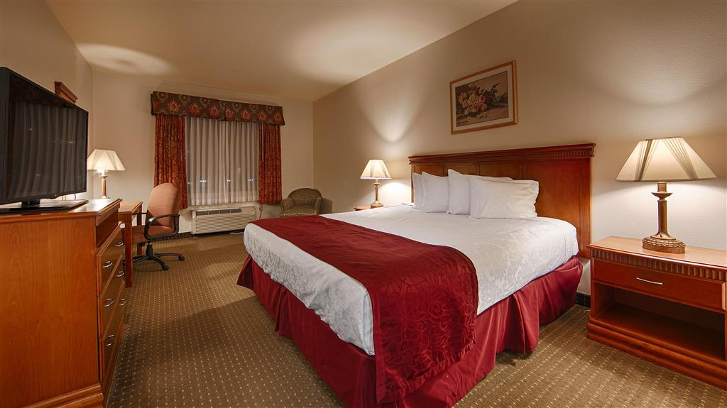Gallery image of Best Western Plus Lake Elsinore Inn & Suites