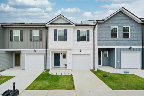 New 2020 Townhome 15 mins from ATL Airport
